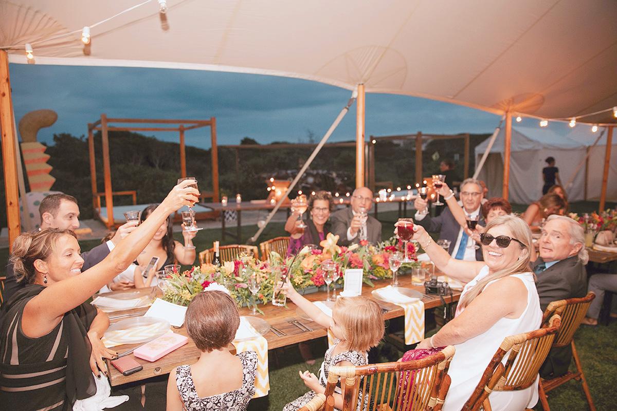 大家族、乾杯、老若男女、リゾート、夏、イタリアの夏、イタリア
