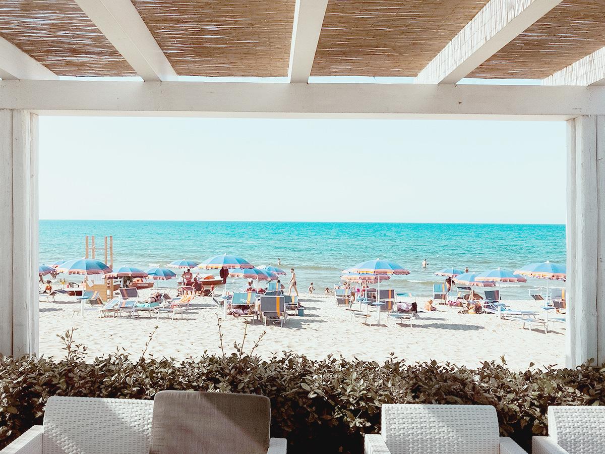 イタリア、夏、リゾート地、浜辺、バカンス、イタリアの夏