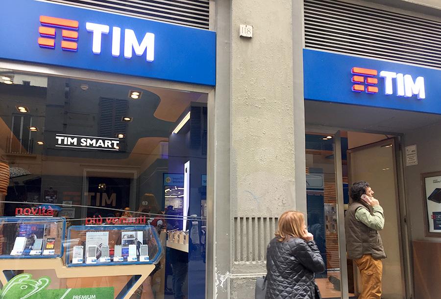 携帯ショップ、携帯電話販売、TIM、イタリア携帯電話ショップ、通信会社