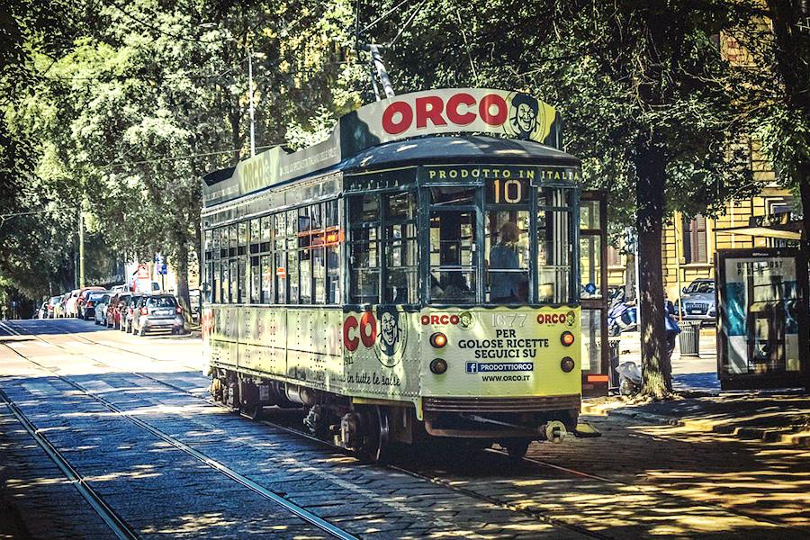 路面電車、トラム、ミラノ、イタリア風景、観光都市