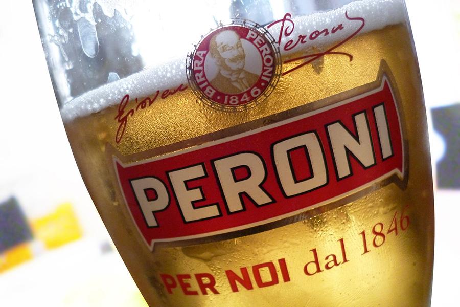 イタリアお酒、ビール、ペローニ