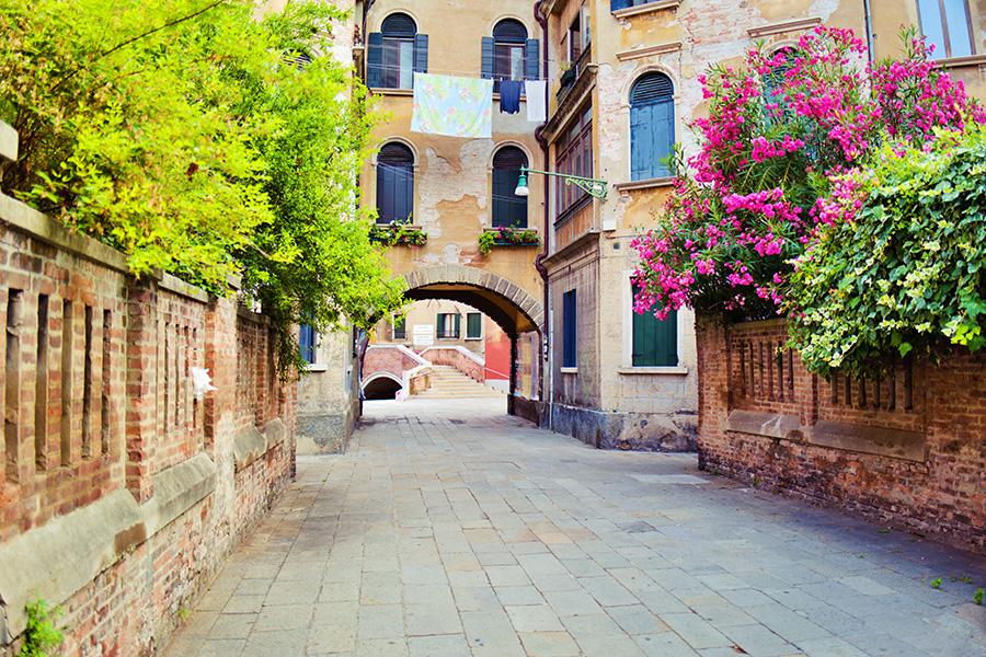 イタリア、風景、イタリアの街、イタリアの路地