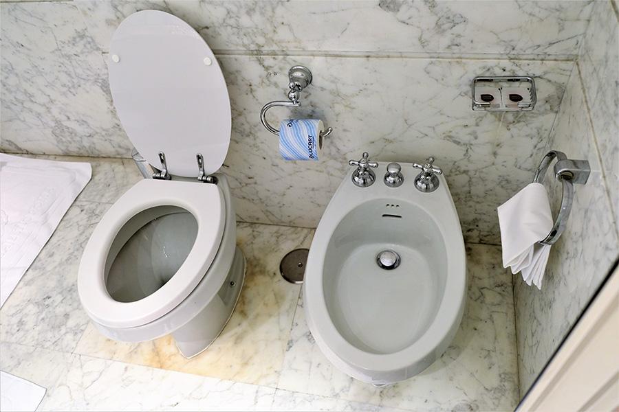 イタリアのトイレ、便器、ビデ