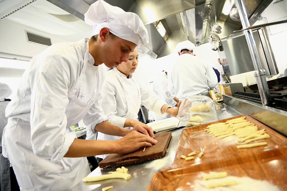 イタリア料理界、シェフ、手打ちパスタ