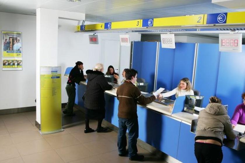 イタリア郵便局、滞在許可証手続き