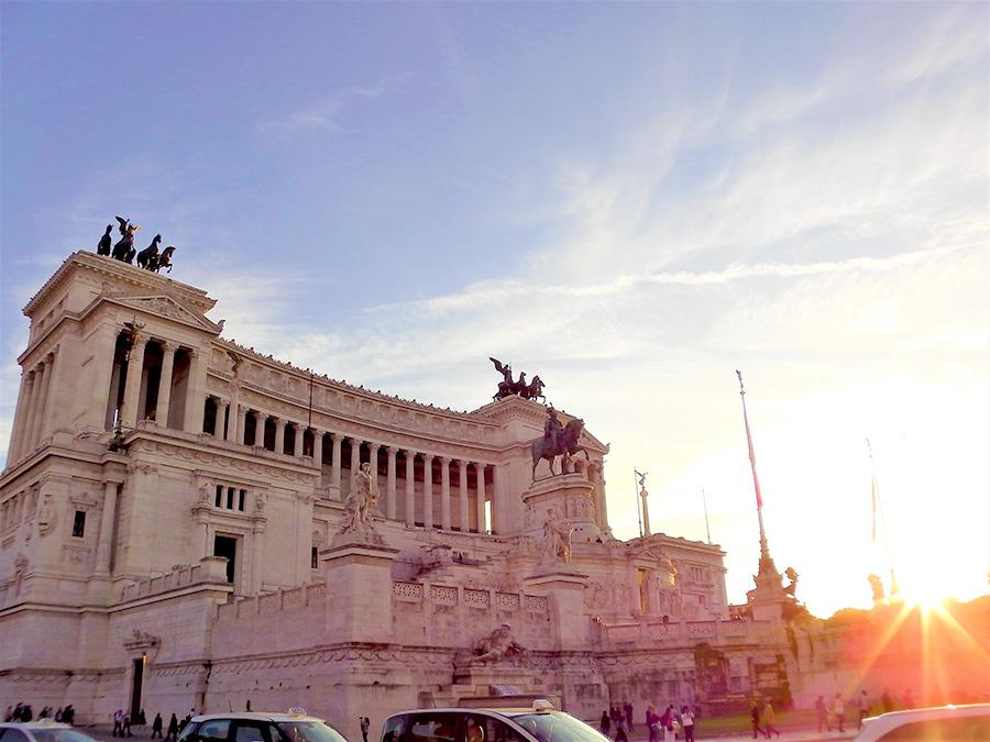 イタリア、ローマ、ベネチア広場、イタリア生活
