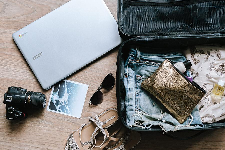 荷造り、旅行鞄
