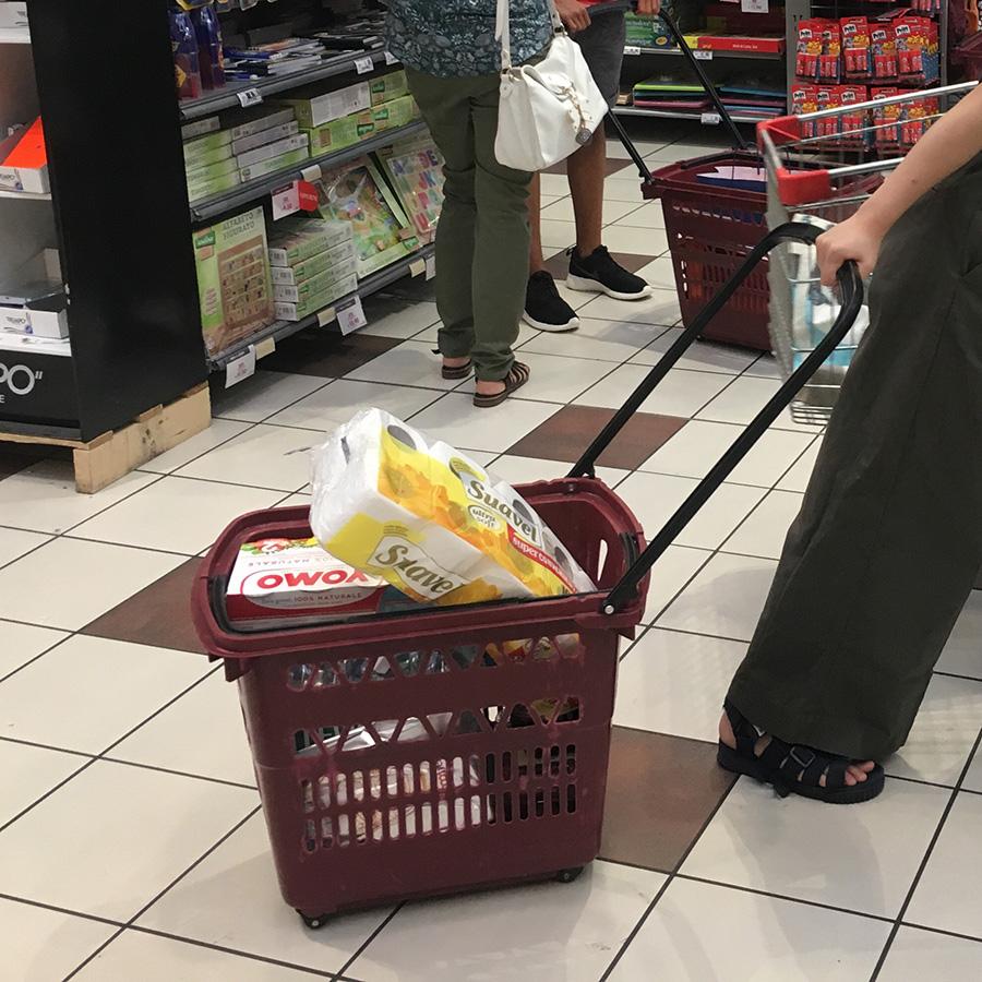 イタリアスーパーマーケット、買い物かご