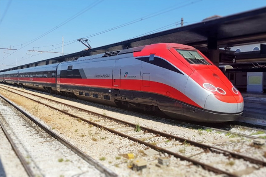 イタリア風景、イタリア鉄道、トレニタリア、フレッチャロッサ、trenitalia,frecciarossa