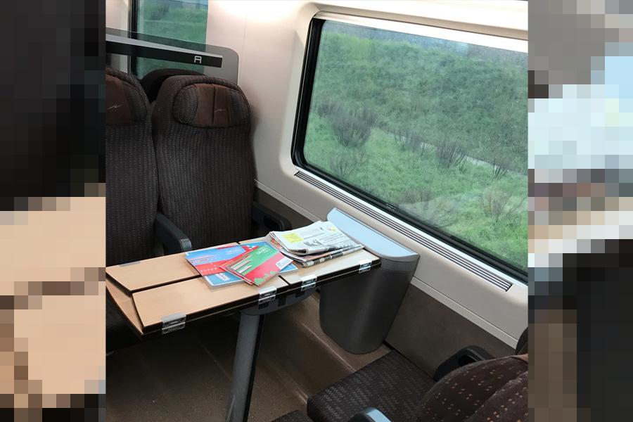 イタリア風景、鉄道車内、トレニタリア、フレッチャロッサ、trenitalia,frecciarossa