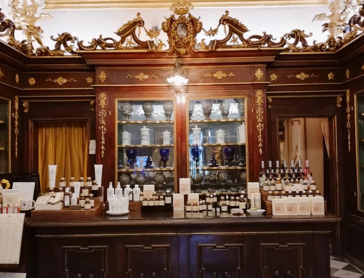 サンタマリアノヴェッラ薬局、製品、香水、化粧品、ポプリ、イタリア、フィレンツェ