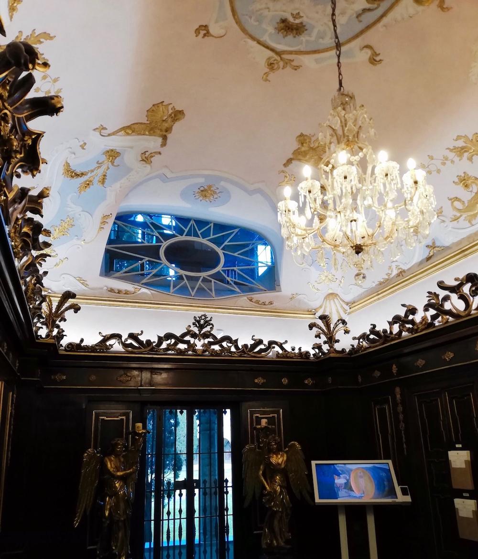 サンタマリアノヴェッラ薬局、内装、シャンデリア、イタリア、フィレンツェ