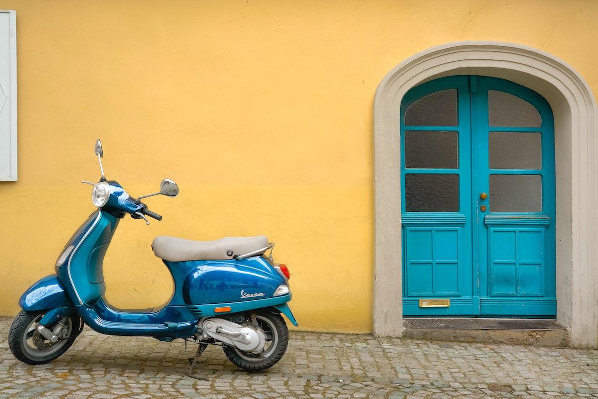 イタリア風景、ヴェスパ、イタリア、イタリア生活、イタリアライフ