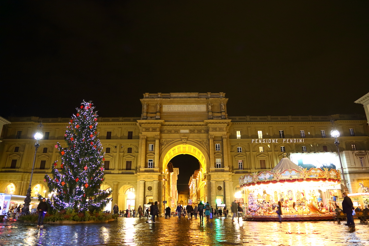 クリスマス、フィレンツェ、クリスマスツリー、オーナメント、クリスマスツリー、イタリア風景