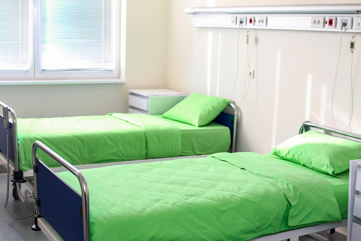 イタリア、病院、病床、病院ベッド