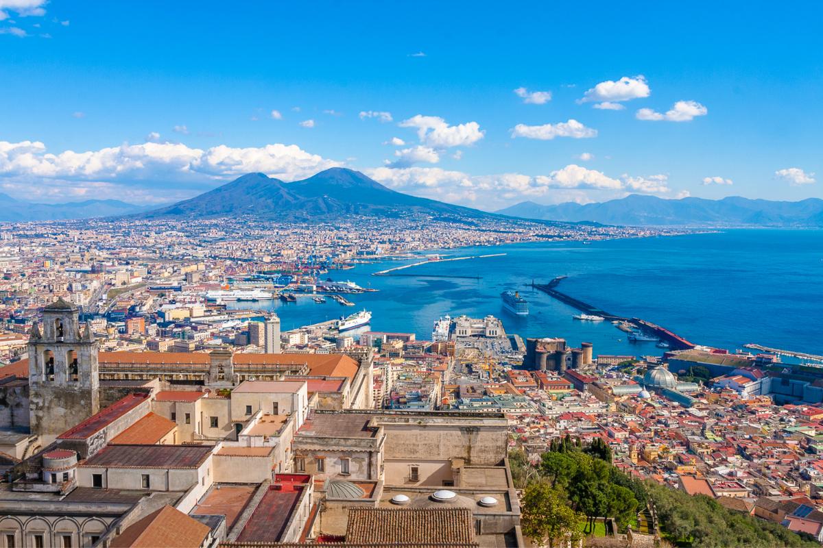 イタリア、ナポリ、ヴェスビオ山、イタリア風景