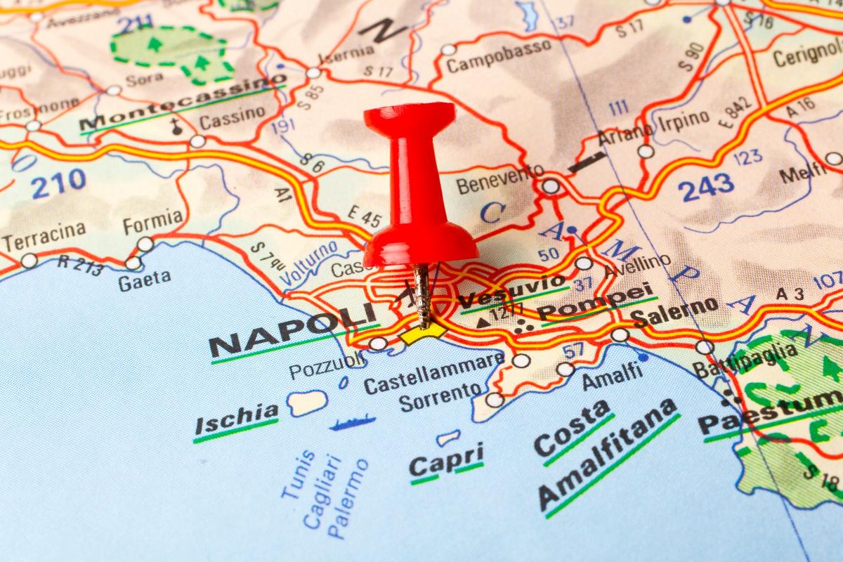 ナポリ、イタリア地図